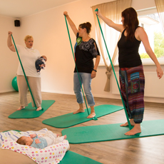 Rückbildungsgymnastik mit und ohne Kinder